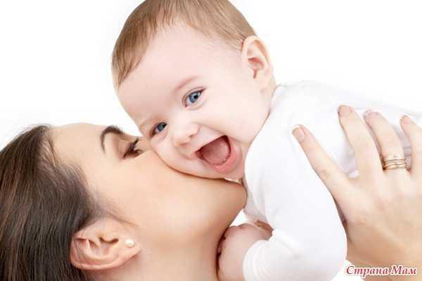 Ребенок чешет уши: почему, причины и что делать?