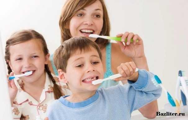 Как научить ребенка чистить зубы в 2 года: советы родителям