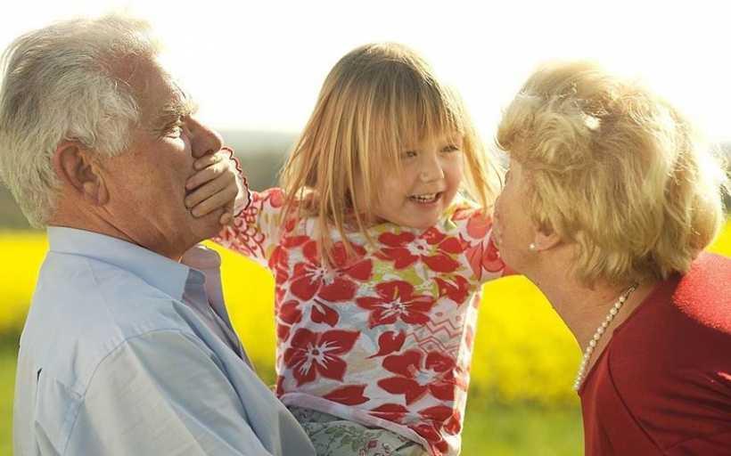 Воспитание детей бабушками и дедушками: двойная доза родительской любви