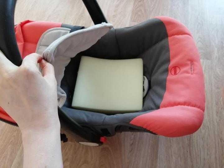 Вкладыши в автокресло для новорожденных: виды и их характеристики