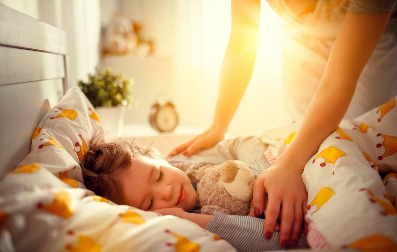 Почему ребенок рано просыпается? ребенок рано просыпается утром, почему, и что делать? ребенок 2 месяца рано просыпается.