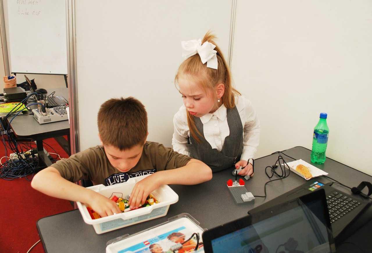 15 интересных роботов для детей и взрослых - лайфхакер