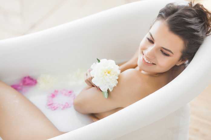 Когда можно принимать ванну после родов? мнения специалистов :: syl.ru