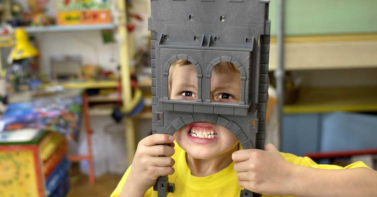 Топ-10 самых опасных игрушек для детей, видео и фото