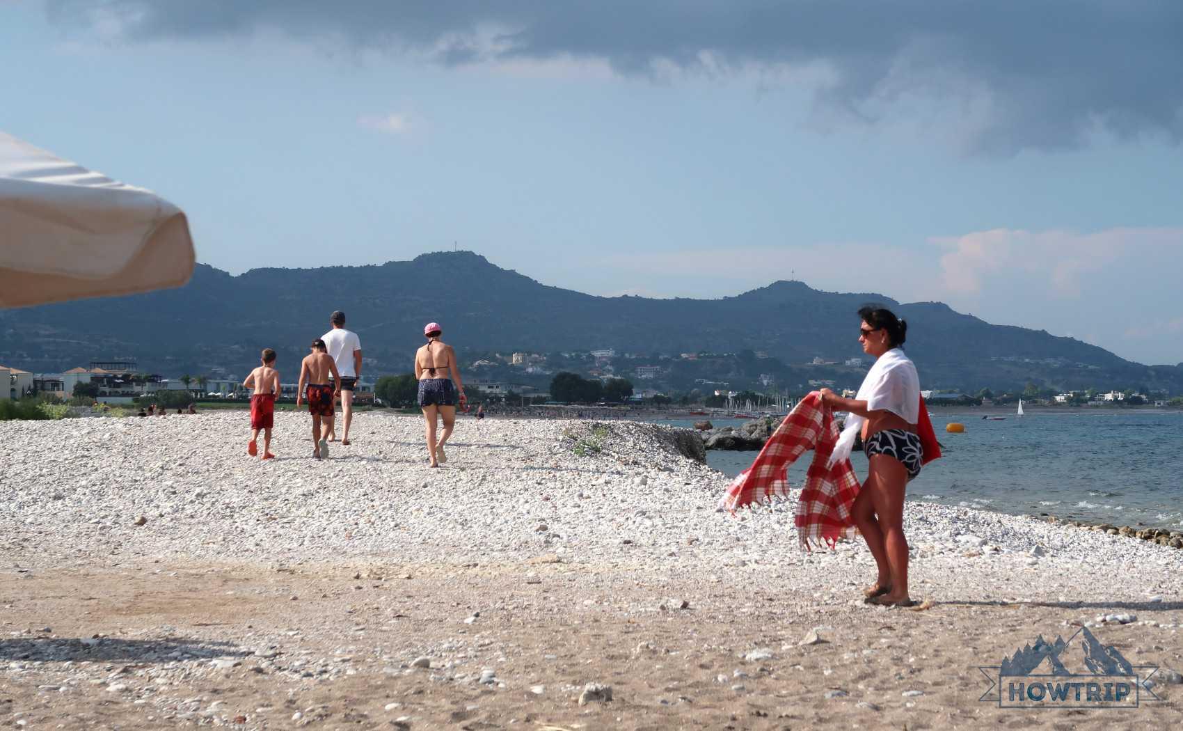 Куда поехать на море с детьми в октябре? топ курортов и цены