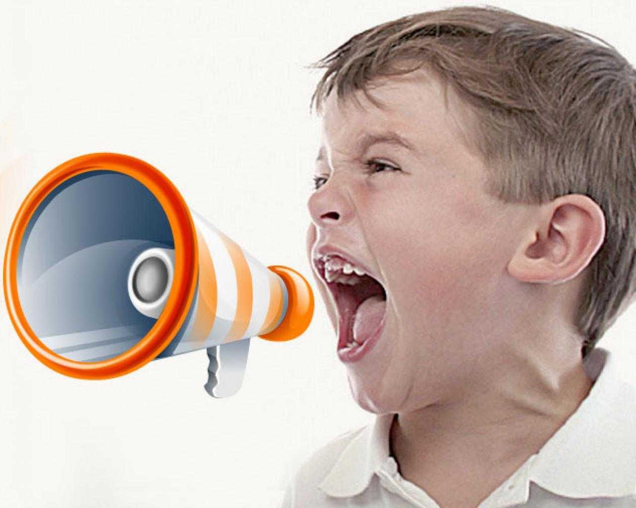 Почему грудной ребенок вздрагивает от резких звуков