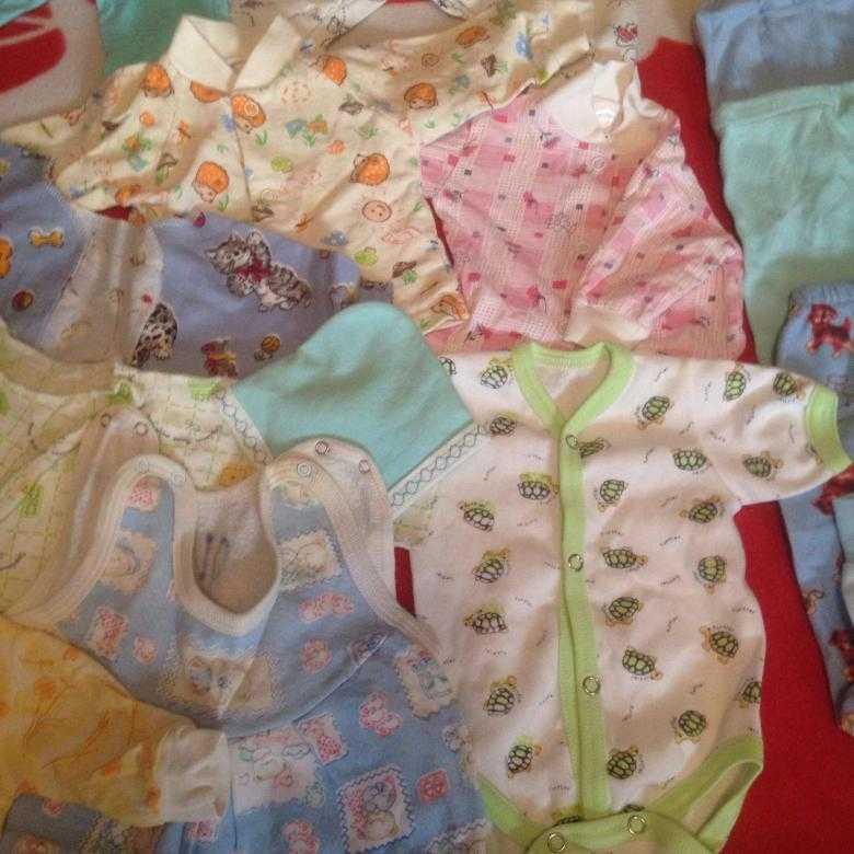 Одежда для недоношенных детей: какие вещи следует выбирать для маловесных новорожденных, перечень необходимого и рекомендации по уходу