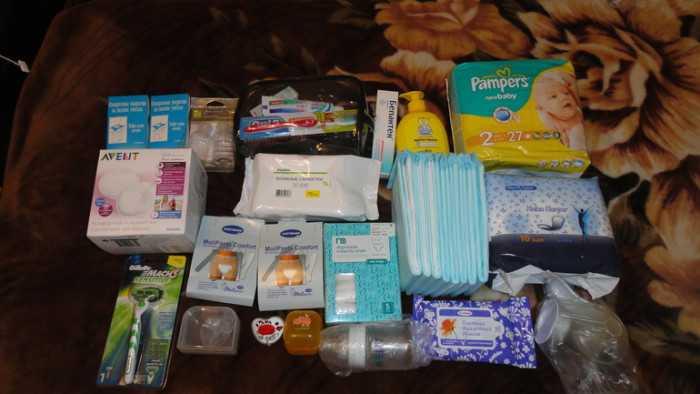 Что с собою брать в роддом? три пакета, которые возьмет с собой на роды беременная
