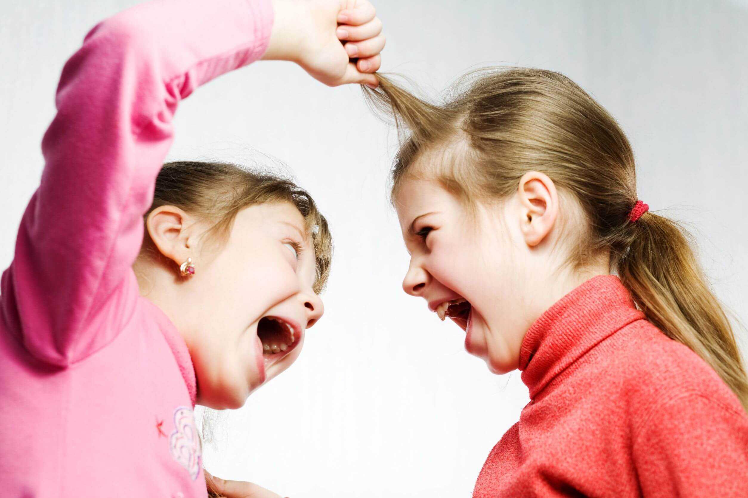 Почему ребенок не любит маму и как исправить ситуацию
