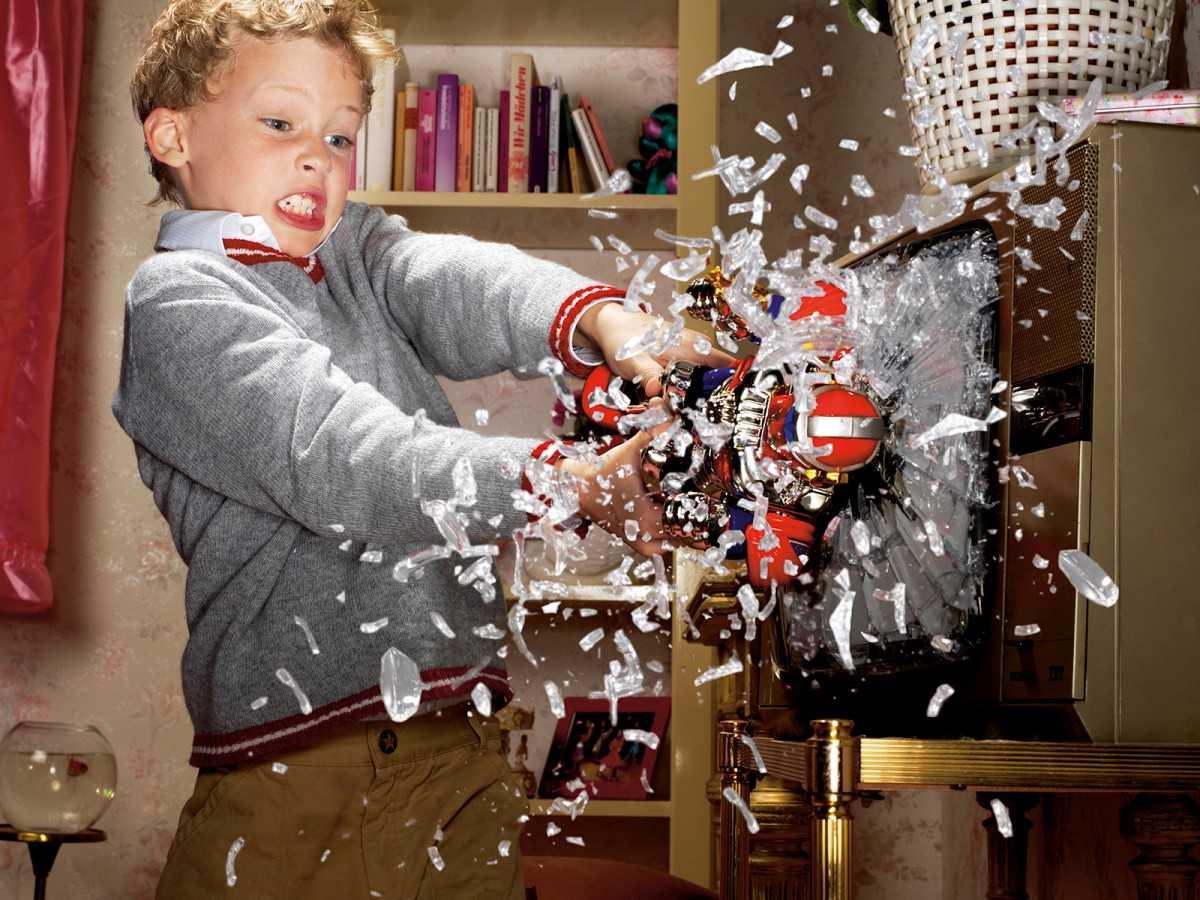 Маленький ломастер. поломка игрушек – это норма? - воспитание и психология