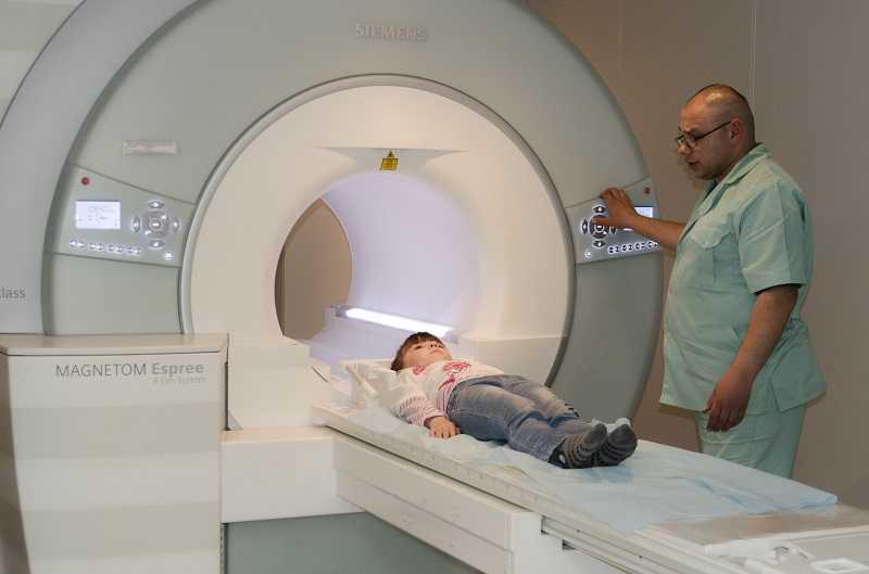 Опасно ли проведение мрт головного мозга ребёнку