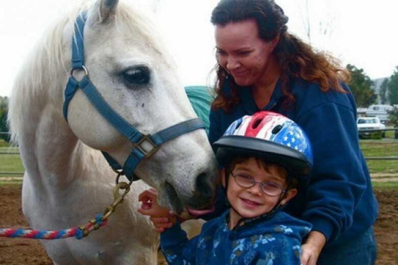 Лошади лечат людей: один день на занятиях иппотерапией | здоровье:здоровье детей | здоровье | аиф новосибирск