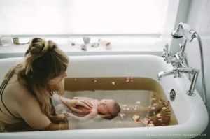 Через сколько дней после кесарева сечения можно принимать ванну или душ? когда после родов можно принимать ванну. - ваш зубной