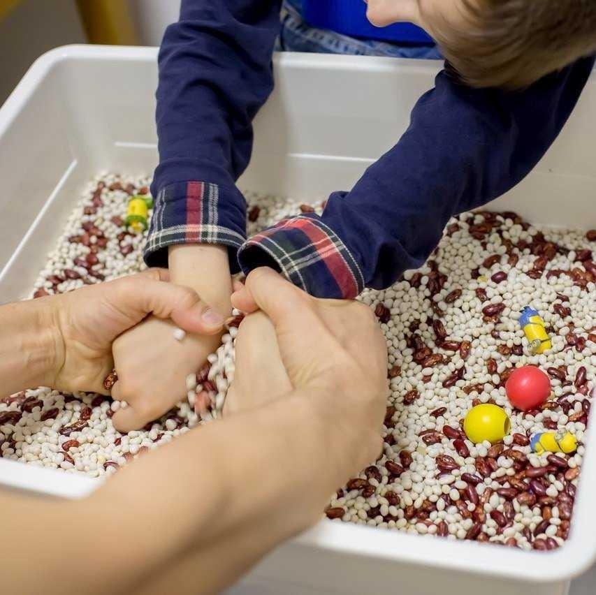 мелкая моторика рук у детей 2 – 3 лет: необходимость развития, игры, упражнения