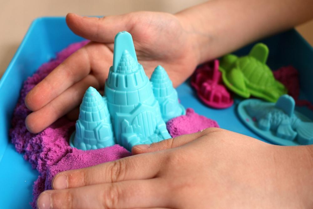 Как сделать кинетический песок и песочницу в домашних условиях?