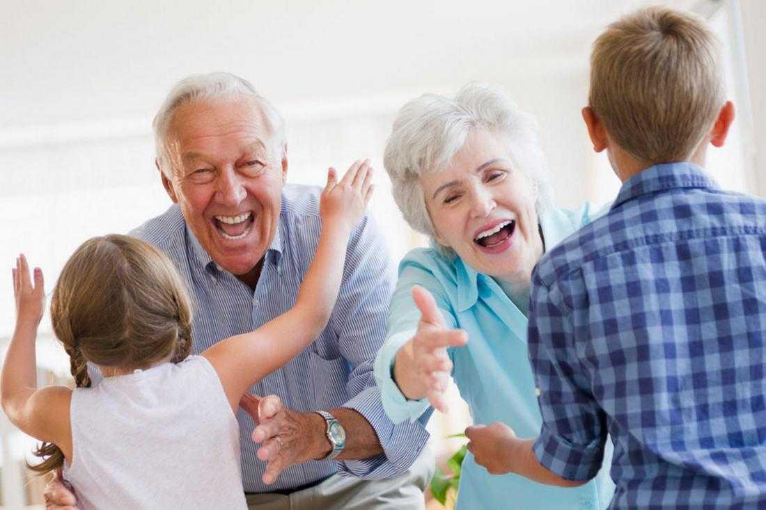 Воспитание детей бабушками и дедушками: роль, влияние и советы