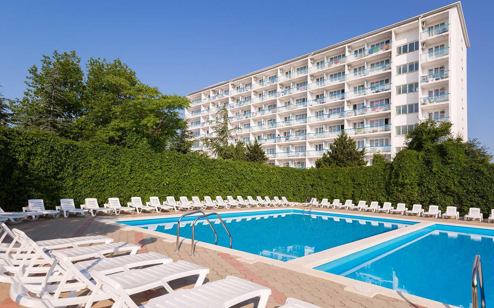 Где отдохнуть летом 2020 года в россии: лучшие отели черного моря
