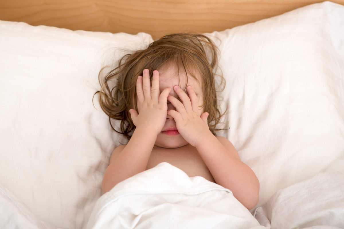 Беспокойный сон у малыша в полтора года: варианты решения проблемы
