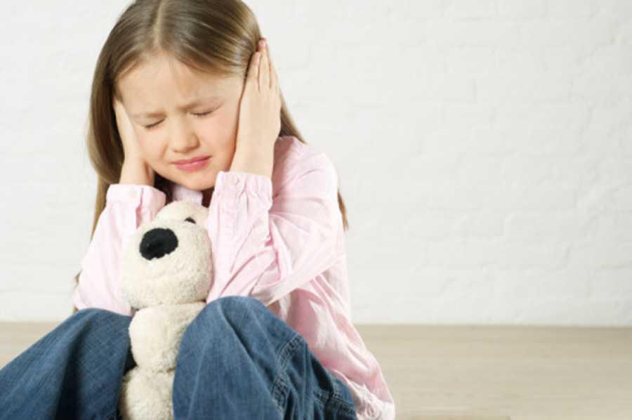 Ребенок боится громких звуков комаровский — все о детях